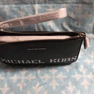MICHAEL Michael Kors Bags - Michael Kors Logo Wristlet